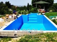 betonski-bazen-sa-PVC-lajnerom-i-rimskim-stepenicama-min