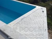 20 Deking i rubni kamen oko bazena